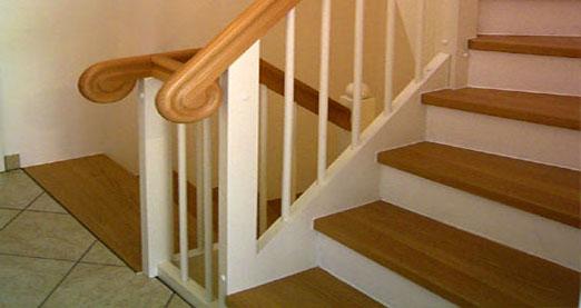 Treppe (Renovierungsstufen) in Buche hell sortiert parkettverleimt